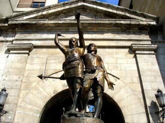 Monumento a Indíbil y Mandonio en Lérida