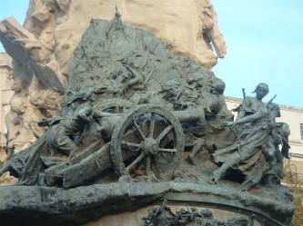 monumento heroínas de los Sitios