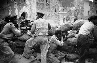milicianos-defendiendo-belchite