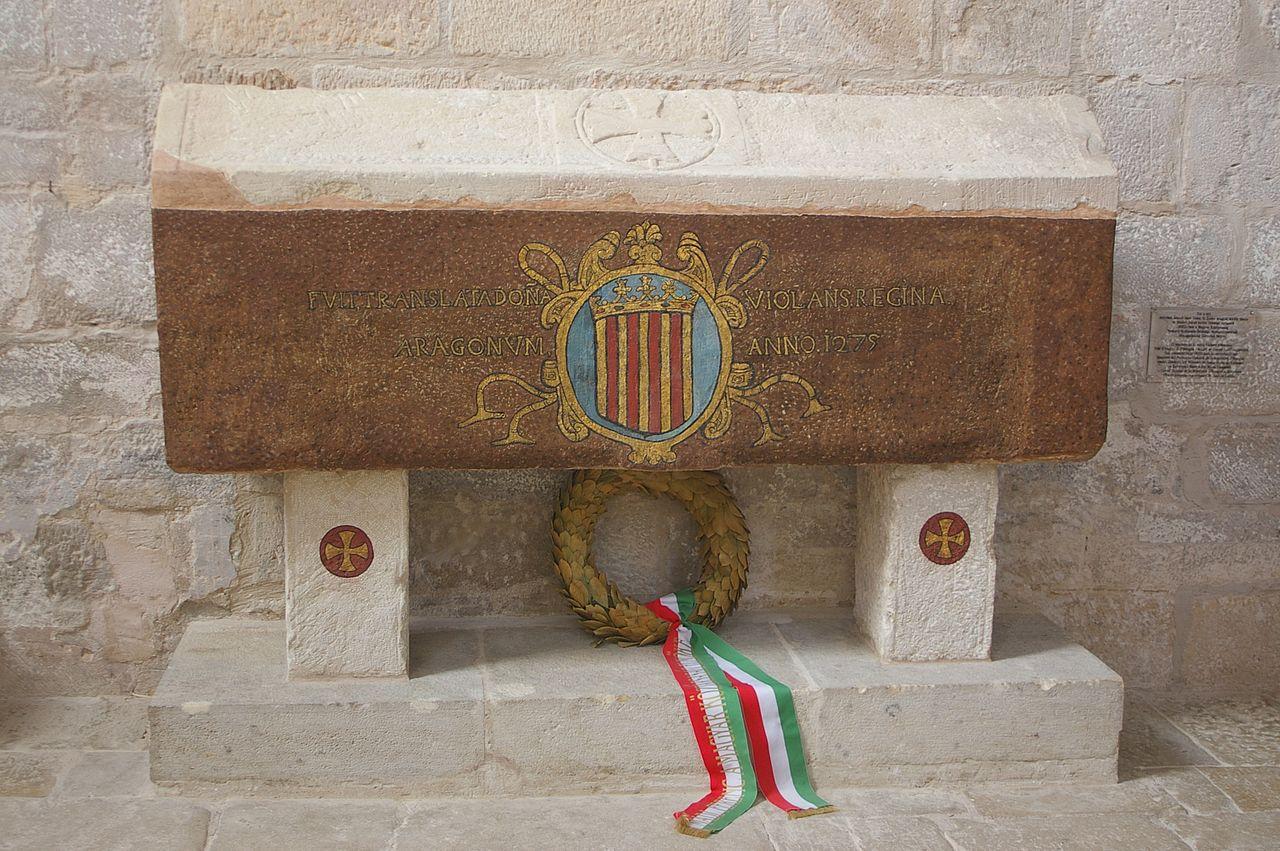 1280px-Vallbona_de_les_Monges_-_Tumba_de_Violant_de_Aragón_y_Hungría.jpg